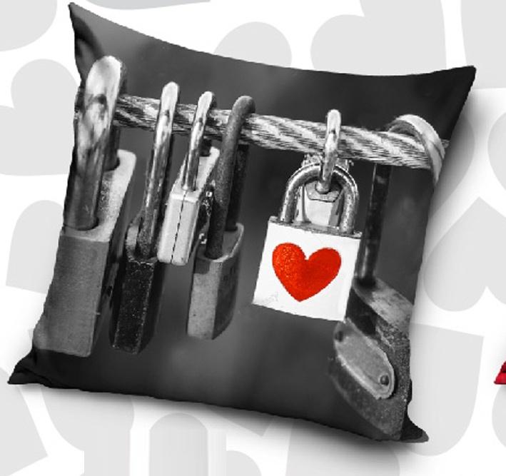 Dekorační polštářek Zámky Lásky